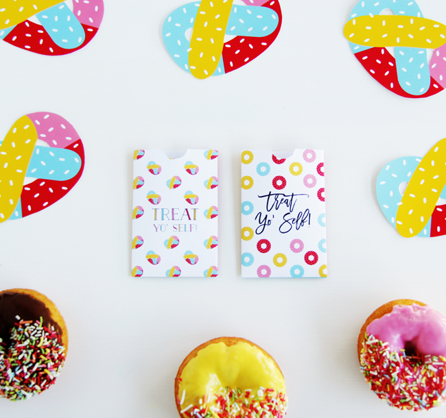 Treat yo self gift card pouches - free mothers day printables - Gift Grapevine