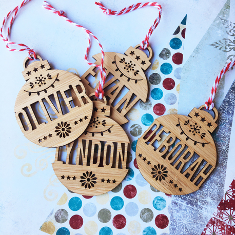 christmas-themed-gifts-wooden-personalised-christmas-ornaments