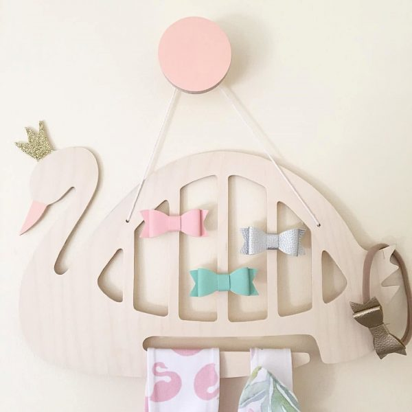 great-gifts-for-two-year-olds-wall-collective-swan-organiser