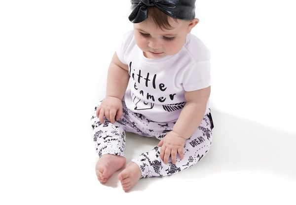 Aster & Oak organic baby clothes – affordable fashion that's gentle on skin (plus a giveaway!)