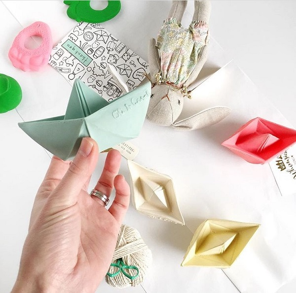 Baby and kids gift picks - origami bath boats