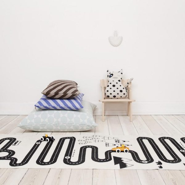 Two year old gift ideas - OYOY adventure rug