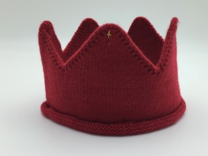 Mini Royalty knitted crown 99 red balloons