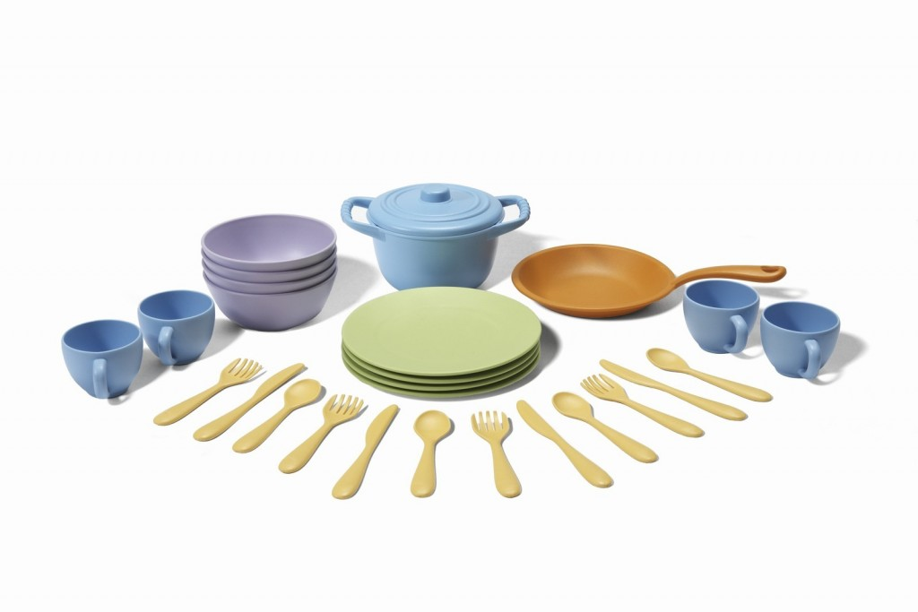Greeen Toys cookware and dining set