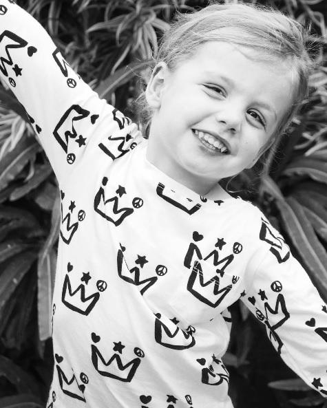 King Raja Organics crown tee - Gift Grapevine May gift ideas