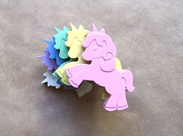 fantastic baby and kids gifts - unicorn crayons