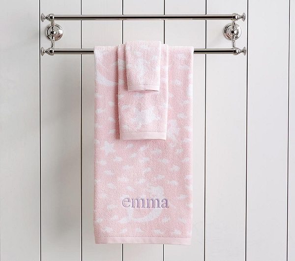 Bath time gifts for little ones - Personalised towels