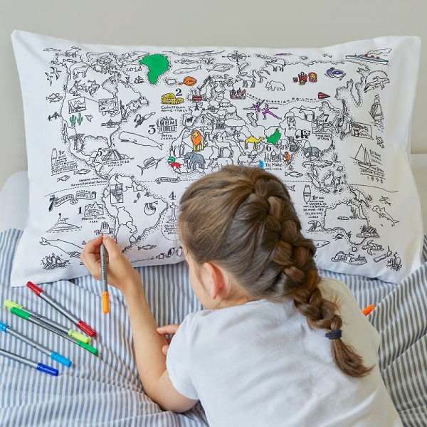 Seven to nine year old gift ideas - world map colour in pillowcase